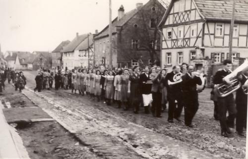 EyershsnPlantanz1951-10